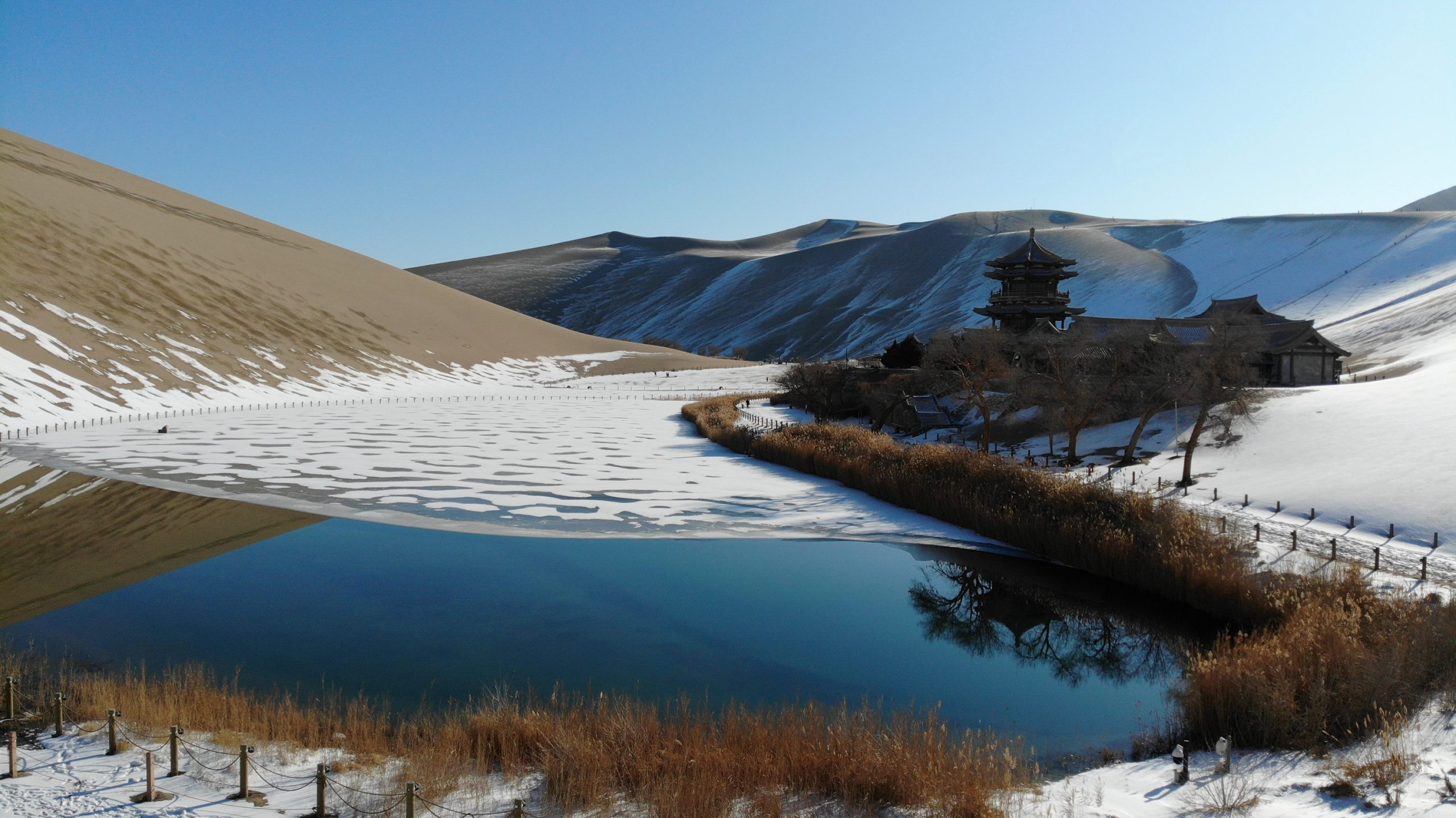 CHINA-GANSU-DUNHUANG-SNOW SCENERY (CN)