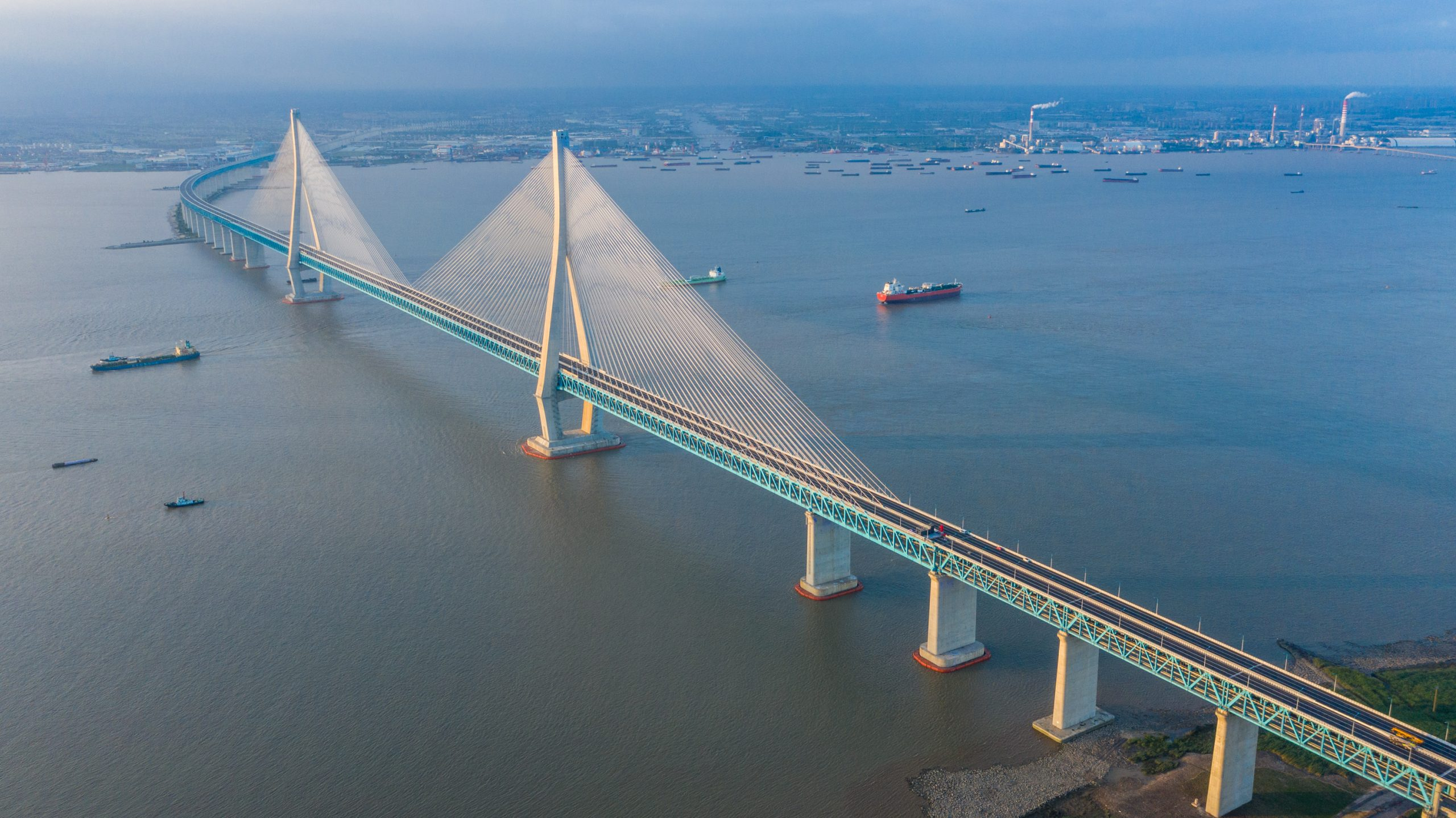 CHINA-JIANGSU-YANGTZE RIVER-BRIDGE (CN)