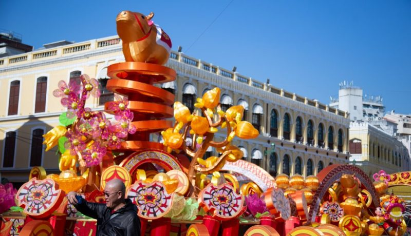 CHINA-MACAO-CHINESE LUNAR NEW YEAR-DECORATIONS (CN)