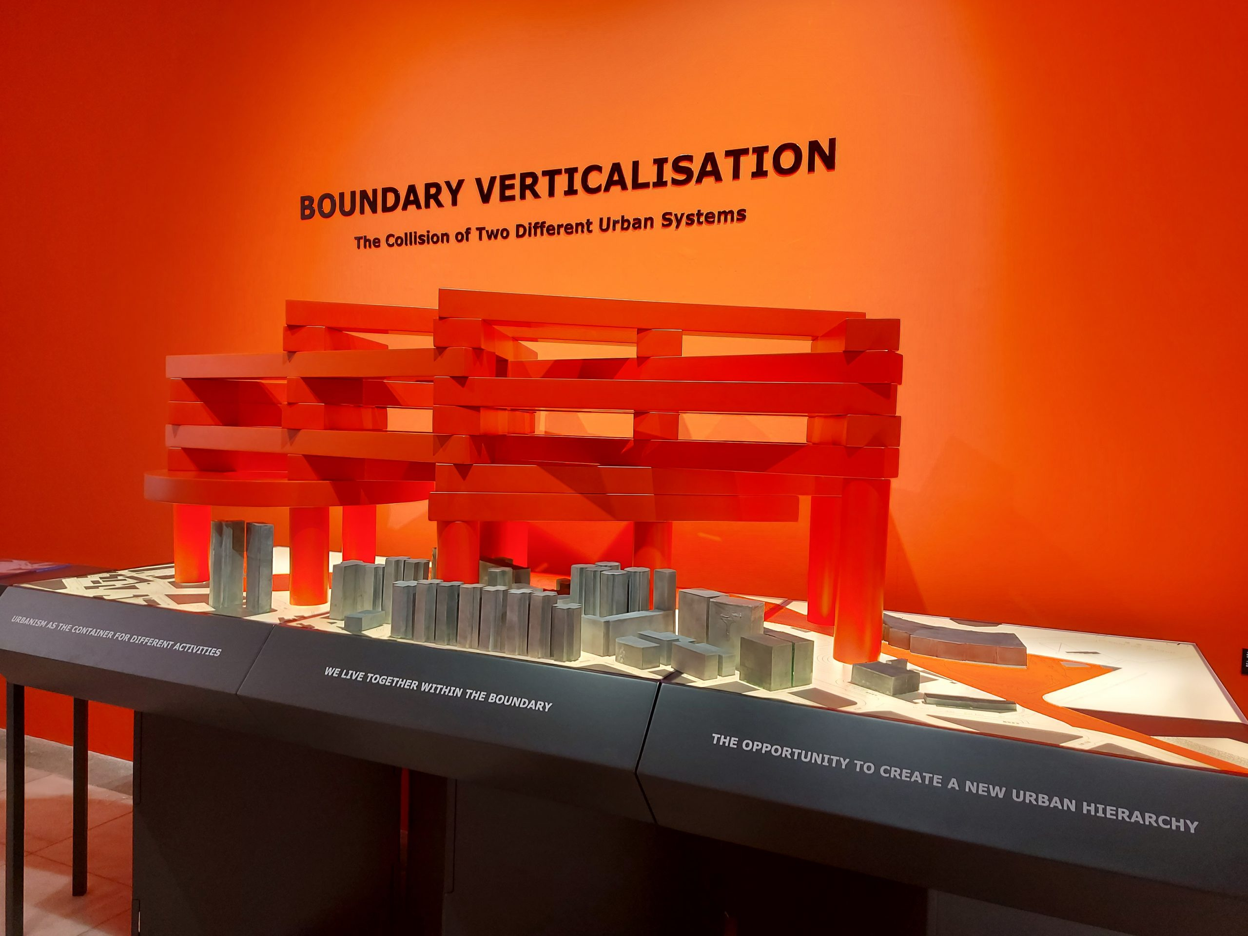 'Boundary Verticalisation – the Collision of Two Different Urban System'